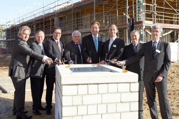 Grundsteinlegung für das neue Forschungs- und Verwaltungsgebäude von Vallourec & Mannesmann